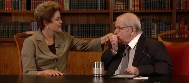 Jô defende Dilma, é esculachado e desabafa