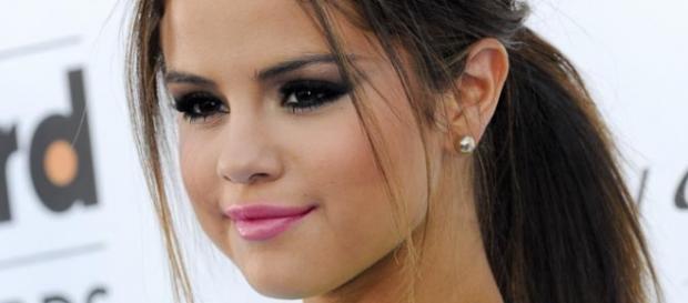 Selena Gomez está a escrever um guião.
