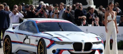 La BMW Hommage R présentée avec Balmain !
