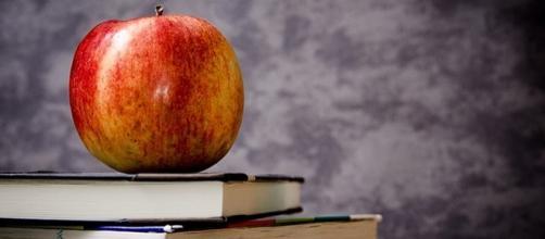 Scuola, orario scolastico settimanale dei docenti