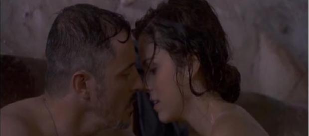 Alfonso tradisce Emilia con Hortensia