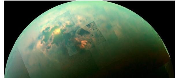 Imagens da lua Titã em saturno