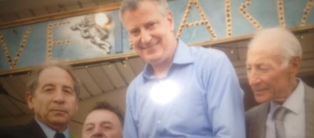 Pasquale Masullo con il sindaco Bill De Blasio