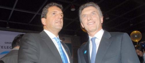Cae Macri en encuestas, Massa le pidió sus votos