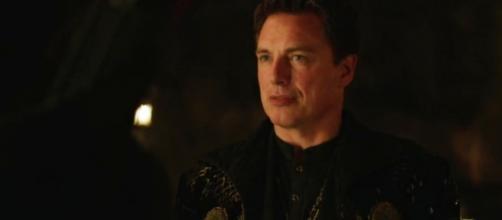 Malcolm Merlyn es ahora Ra's al Ghul en 'Arrow'