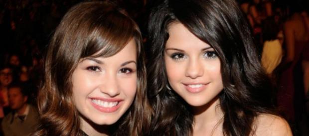 As duas cantoras já foram as melhores amigas.