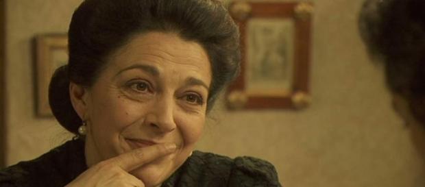 Donna Francisca ascolta le parole di Maria
