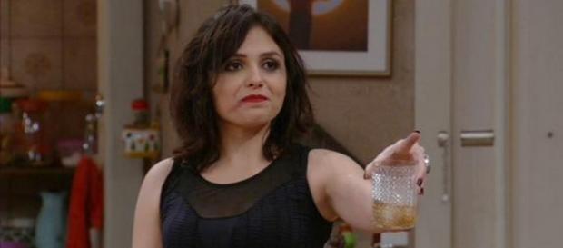 Monica Iozzi salva 'Tomara que Caia'