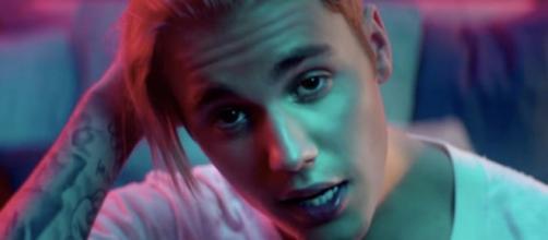 Justin Bieber fez uma música sobre as mulheres.