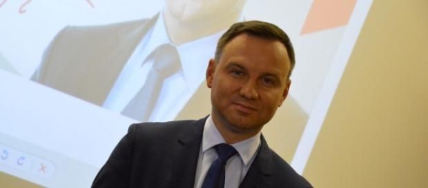 Duda nie namawia Polaków do powrotu