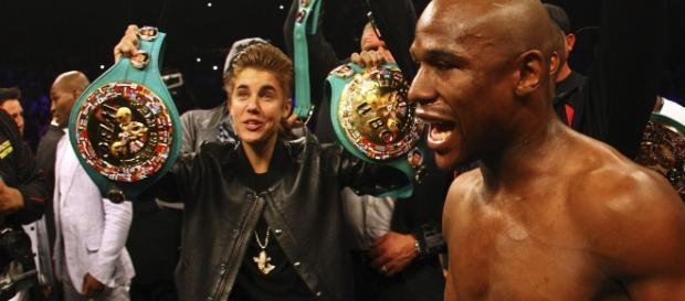 Justin Bieber e o pugilista são bons amigos.
