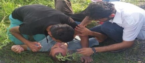Refugiados auxiliam repórter da TVI
