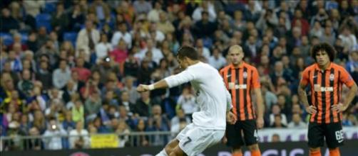 Triplete; Ronaldo comenzó a pleno la Champions