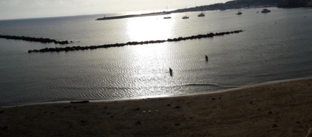 Il mare di Otranto, baciato dal sole.