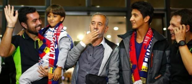 Osama com os seus filhos em Espanha