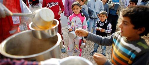 Ação humanitária ajuda famílias de sírios
