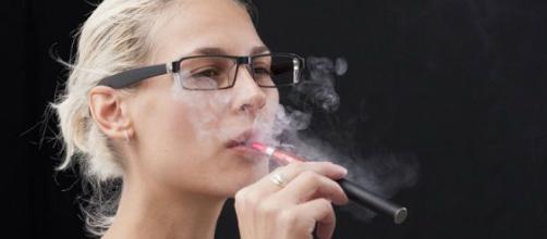 Fumare la sigaretta elettronica è sicuro?