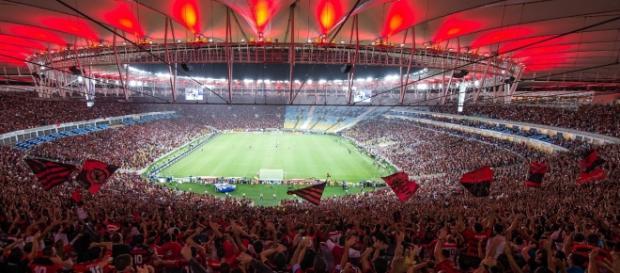 A torcida do Flamengo no maracanã.