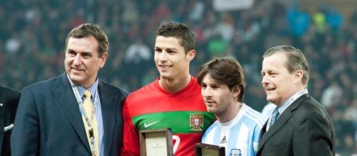 Cristiano Ronaldo y Messi juntos, posando