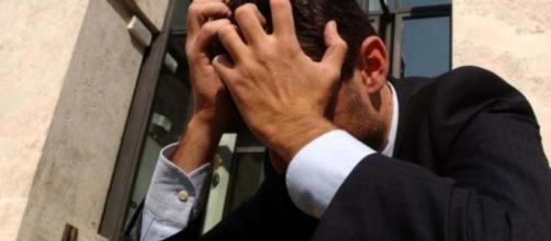 Ragazzo depresso per colpa del bullismo si suicida