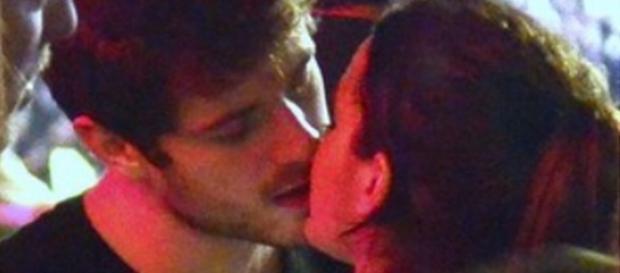 Marquezine beija Maurício Destri