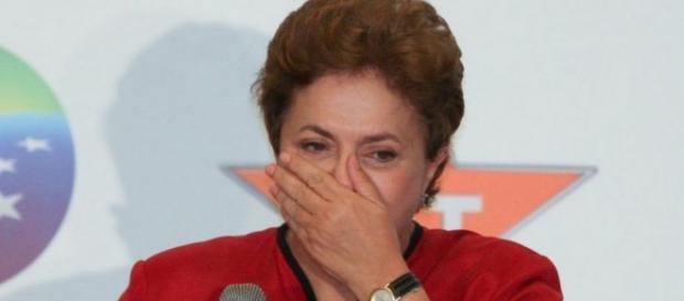PT quer a renúncia de Dilma Rousseff