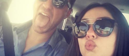 Una coppia al bacio: Sharon e Valerio!