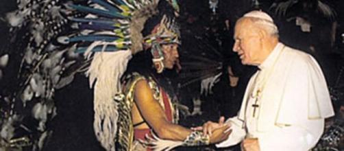 Xokonoschtetl Gómora junto al papa Juan Pablo II
