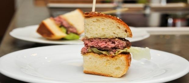 Fotografía de porción de hamburguesa