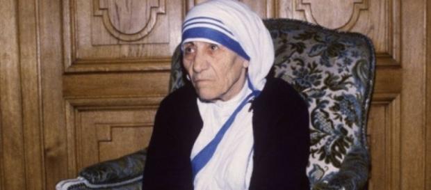 Matka Teresa z Kalkuty zwana aniołem miłosierdzia