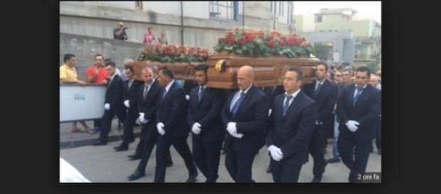 Palagonia:funerale dei coniugi catanesi