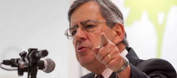 Paulo Henrique Amorim é condenado
