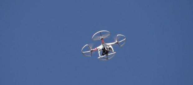 Używanie dronów a przepisy prawa