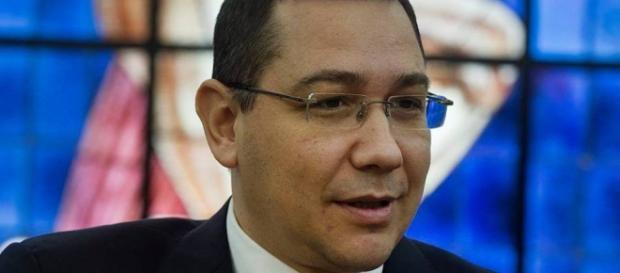 Victor Ponta a împlinit ieri 43 de ani