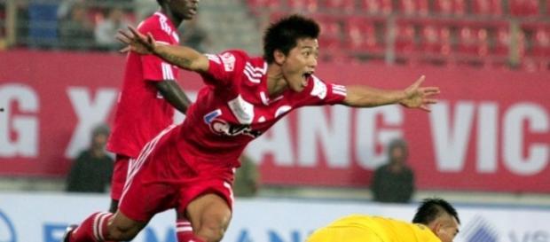 Celebración de un gol de Zhang Linpeng
