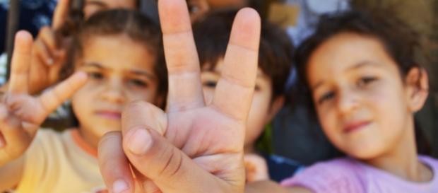 Crianças sírias em campo de refugiados