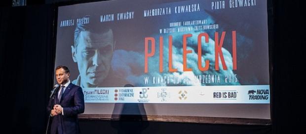 A.Duda na pokazie filmu. Fot: www.prezydent.pl