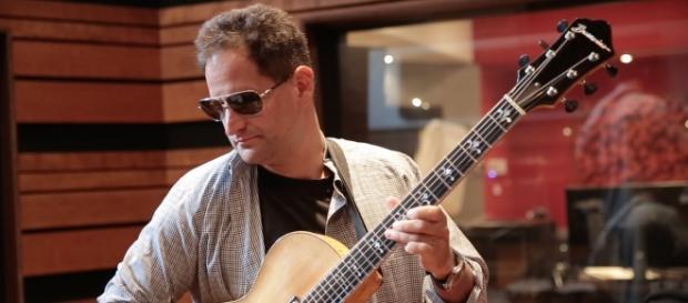 Gideon King is a multi-talented musician.