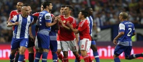Confusão no clássico entre FC Porto e Benfica.