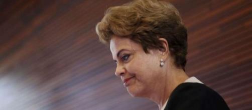 Dilma promete cinco pastas ao PMDB