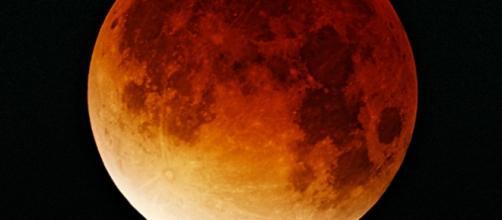 Lunar eclipse by Oliver Stein CC BY-SA 3.0
