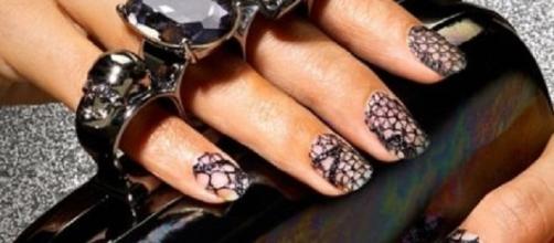nail art autunno 2015: effetto pelle di serpente