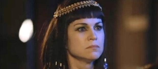 Adriana Garambone é Yunet em 'Os Dez Mandamentos'