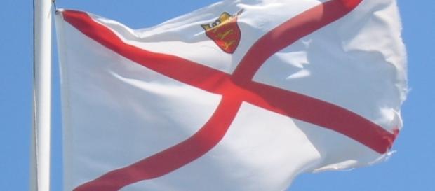 La bandiera dell'isola di Jersey (da Wikipedia)