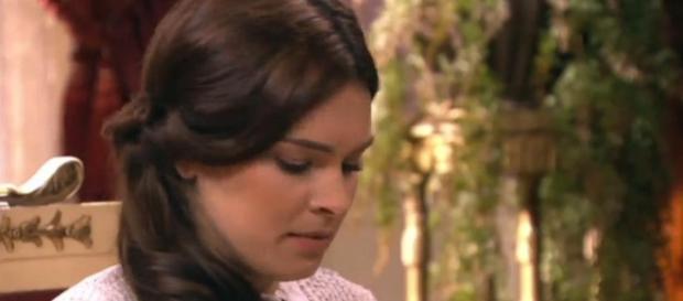 Leonor vede Marco e Claudio baciarsi