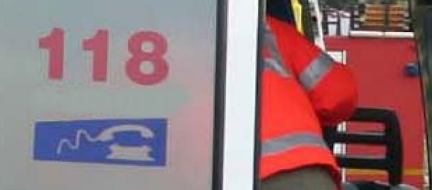 Soccorritori del 118 in azione dopo un incidente