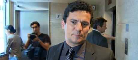 Juiz Sergio Moro e retirado de do caso