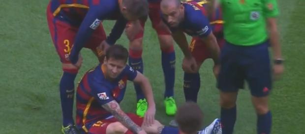Leo Messi se lesionó en una jugada ofensiva