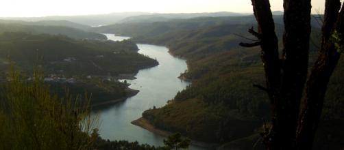 Vista sobre o Zêzere do miradouro da Matagosa.