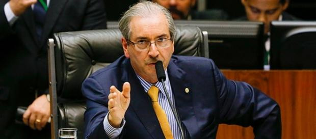 Cunha defende 'zero ministério' ao PMDB